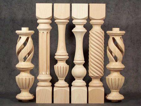 Colonne di legno tornite con motivo con foro centrale intrecciato GS013