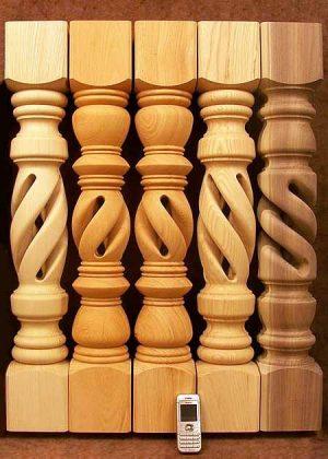 Gambe tavolo in legno con foro centrale e tre motivi TL001