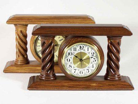 Orologi da tavolo con colonne in legno aventi speciali motivi MC2007